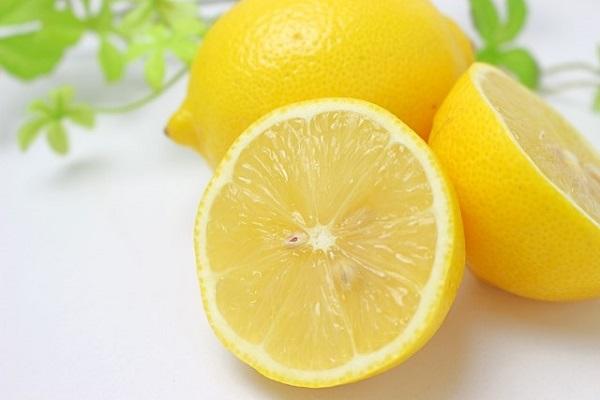 ビタミンCは本当にシミに効く?