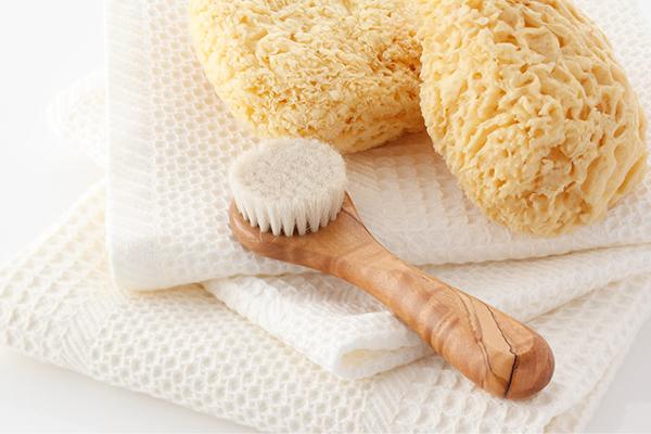 洗顔ブラシでワントーン明るい美肌に!効果的な使い方と注意点